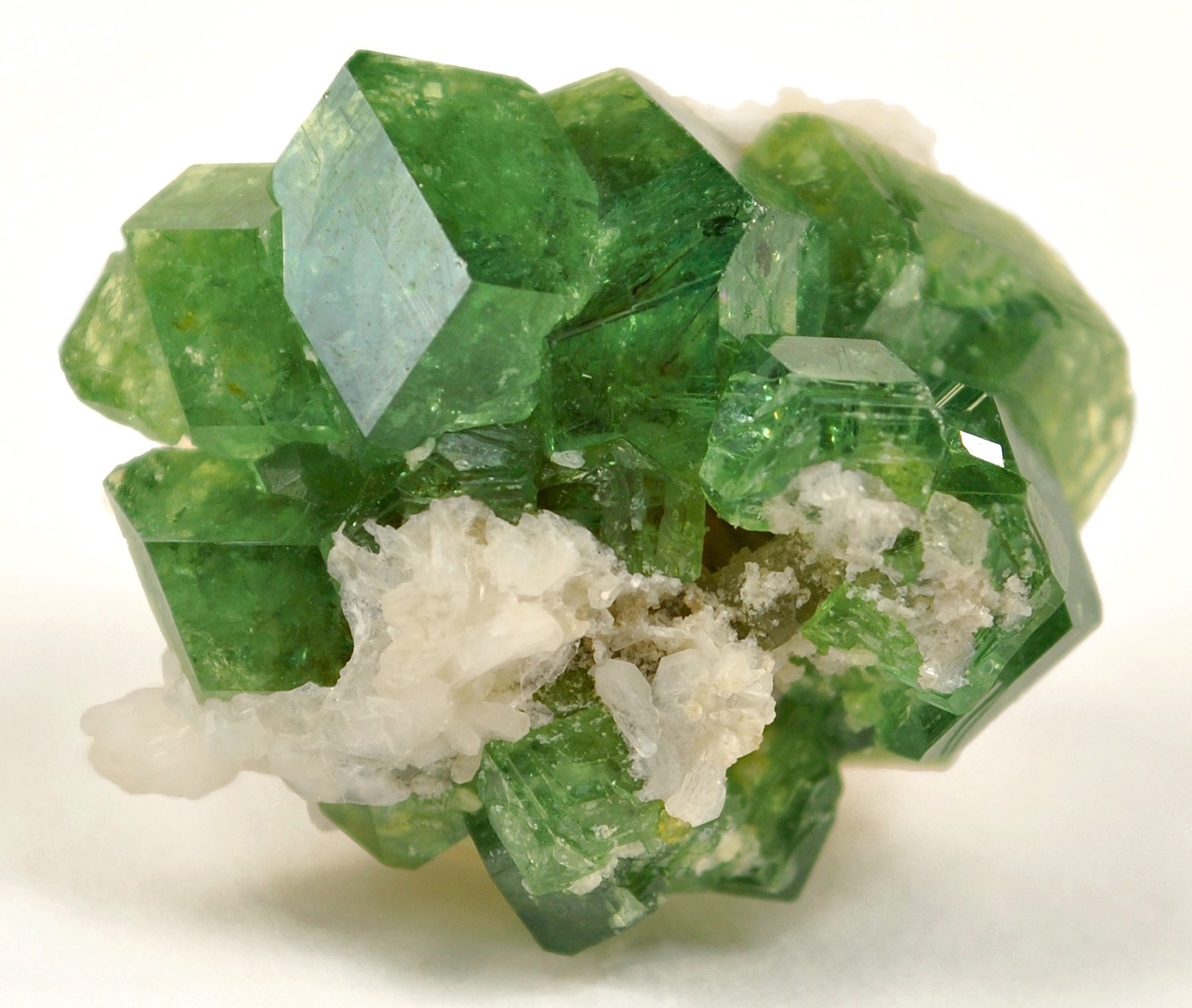 10 Really Expensive Gemstones: From Taaffeite To Blue Diamond ...