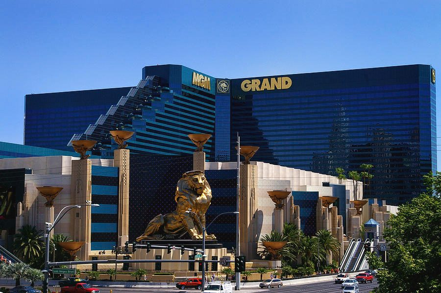 Casino grand hotel mgm casino make money
